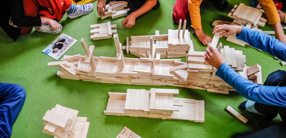 Statek z klocków drewnianych Linden