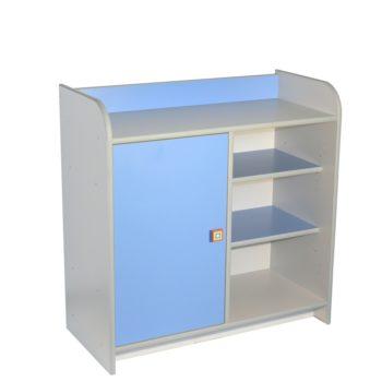 drewniana-szafka-z-dzwiczkami-niebieska