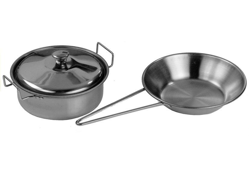 naczynia w zestawie z kuchnią